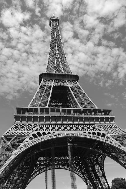 Hauteur et grandeur de la tour Eiffel